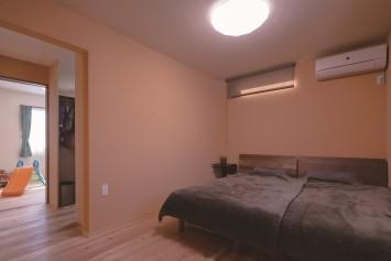 07寝室の天井